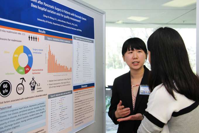 Student presenting at 2019 research showcase